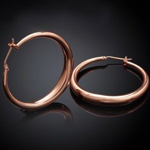 New 18K Rose Gold Round Hoop Earrings